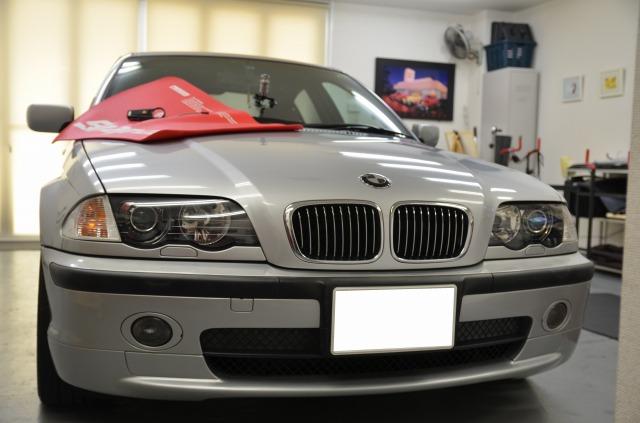 BMW・・・ガラスリペア&デントリペア。