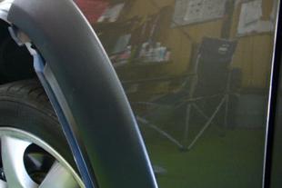 施行後 BMWミニ・・・フロントフェンダー(3センチ)
