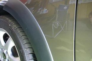 施行前 BMWミニ・・・フロントフェンダー(3センチ)