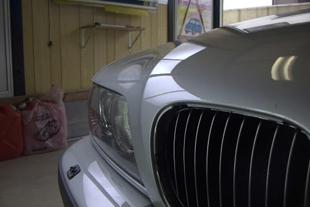 施行後 BMW・・・ボンネット(6センチ)
